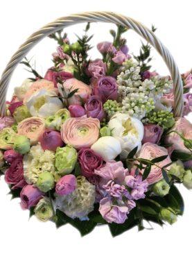 Большая корзина с цветами в стиле прованс