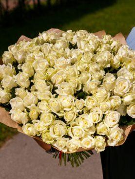 Букет из 101 белой розы 40 см (РФ)