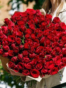 Букет из 101 красной розы 50 см (Кения)