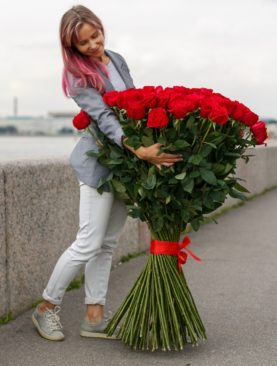 Букет из 101 розы 120 см (Эквадор)