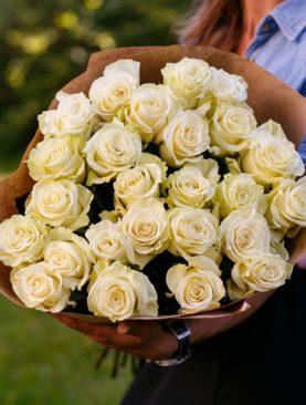 Букет из 25 белых роз 70 см (Эквадор)