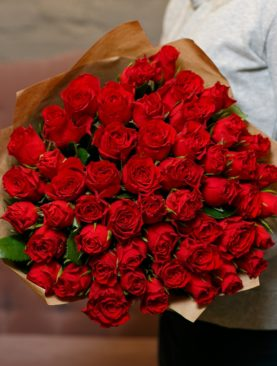 Букет из 51 красной розы 40 см (Кения)