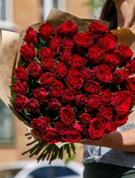 Букет из 51 красной розы 50 см (Кения)