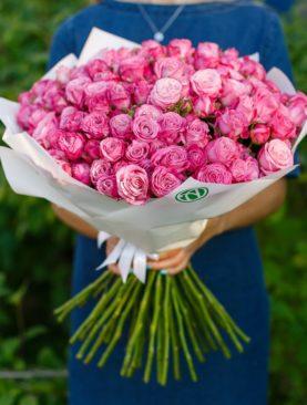 Букет из 51 пионовидной кустовой розы Леди Бомбастик 50 см