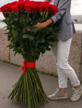 Букет из 51 розы 120 см (Эквадор)