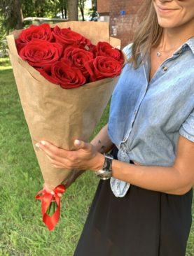 Букет из 7 красных роз 70 см (Эквадор)