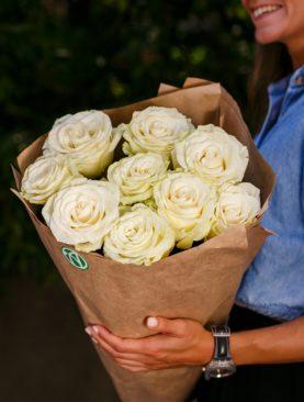 Букет из 9 белых роз 70 см (Эквадор)