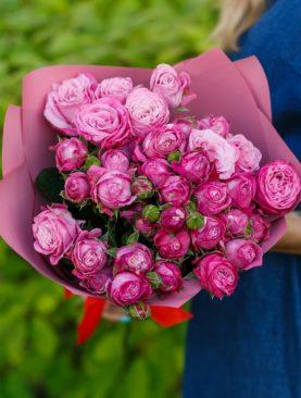 Букет из 9 пионовидных кустовых роз Леди Бомбасти 50 см
