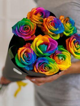 Букет из 9 радужных роз 70 см (Эквадор)