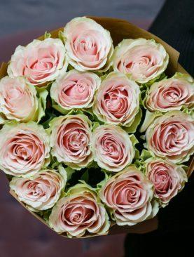 Букет из 15 розовых роз 70 см (Эквадор) Фрутетто