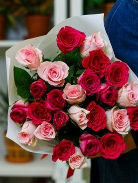 Букет из 25 роз розовый микс 50 см (Кения)