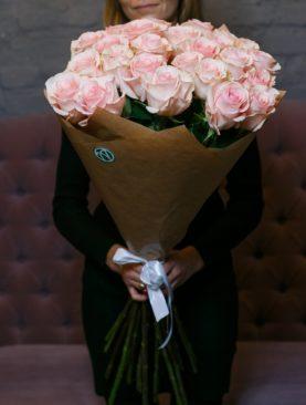 Букет из 25 розовых роз 70 см (Эквадор)